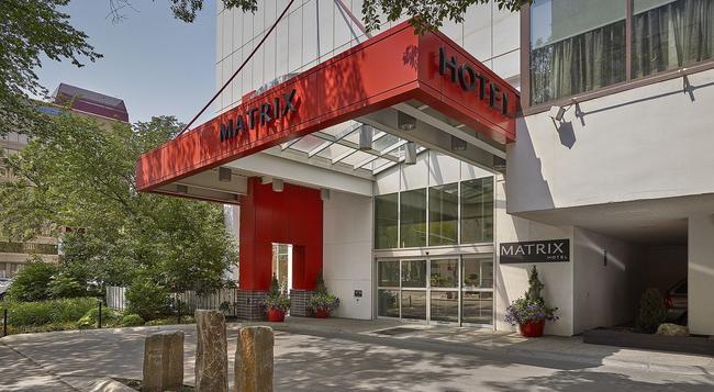 マトリックス ホテル - エドモントン - 建物