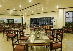 Plaza Del Norte Hotel & Convention Center - Laoag - レストラン