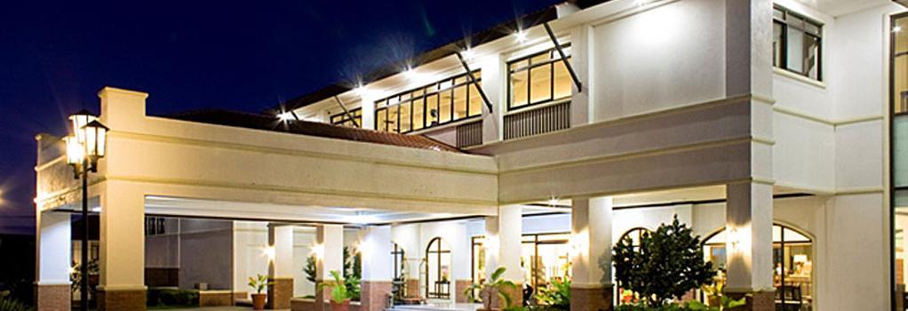 Plaza Del Norte Hotel & Convention Center - Laoag - 建物