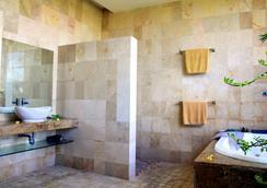 バリ ミスティク ホテル&アパートメント - クタ - 浴室