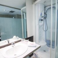 プチ パレス アレナル ソル Bathroom