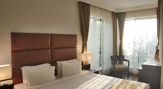 ホテル メトロポール - コルカタ - 寝室