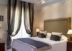 ホテル ルンゴマーレ - リッチョーネ - 寝室