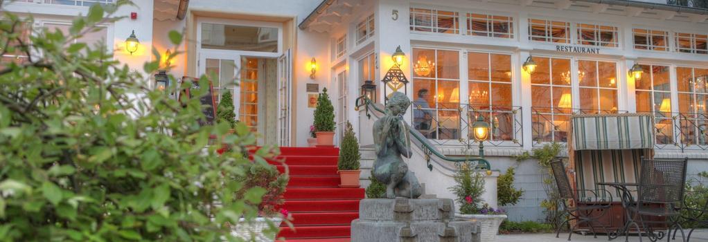 Seetelhotel Hotel Esplanade - ゼーバート・ヘリングスドルフ - 建物
