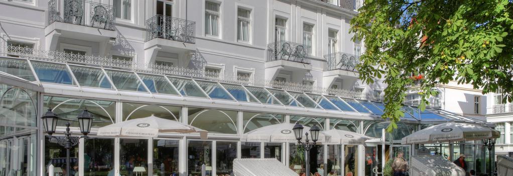 Seetelhotel Pommerscher Hof - ゼーバート・ヘリングスドルフ - 建物