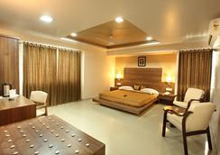 Hotel Classique - Rajkot - 寝室