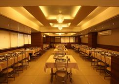 Hotel Classique - Rajkot - レストラン