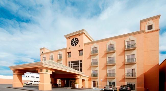 アイステイ ホテル シウダー フアレス - Ciudad Juarez - 建物