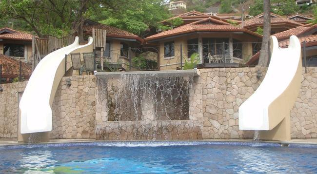 Villas Hermosa Heights - Playa Hermosa (Guanacaste) - プール