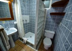 Blue Tang Inn - San Pedro Town - 浴室