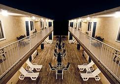 Sunburst Motels I & Ii - Seaside Heights - テラス