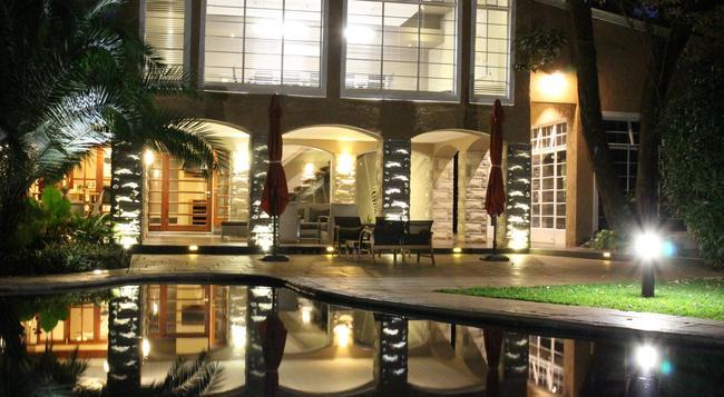 Sandalwood Lodge - ハラレ - 建物