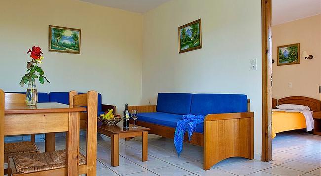 Marika Hotel - ハニア - 寝室