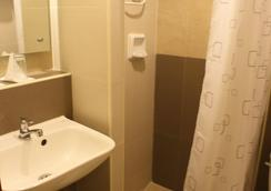 The Center Suites - セブシティ - 浴室