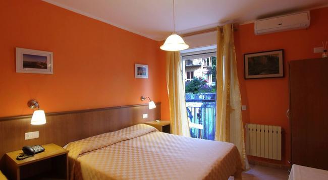 Hotel Innpiero Taormina - タオルミーナ - 寝室