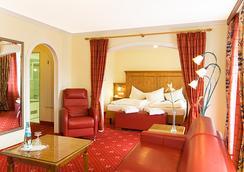 アルペンホテル クロンプリンツ - ベルヒテスガーデン - 寝室