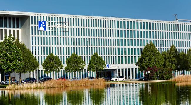 H2 ホテル ミュンヘン メッセ - ミュンヘン - 建物