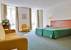 ホテル ボルヘス シアード - リスボン - 寝室