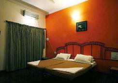 Sky Blue Resort - Lonavala - 寝室
