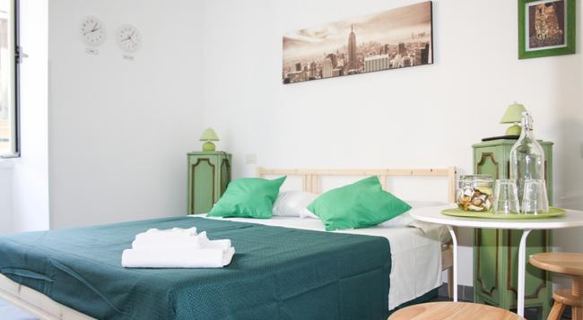 サロット ピラミデ - ローマ - 寝室
