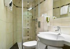 クオリティ ホテル デュ ノール ディジョン サントル レストラン ドゥ ラ ポルト ギョーム - ディジョン - 浴室