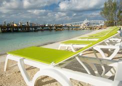 Warwick Paradise Island Bahamas - Adults Only - ナッソー - ビーチ
