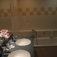 アベニュー ホテル Bathroom