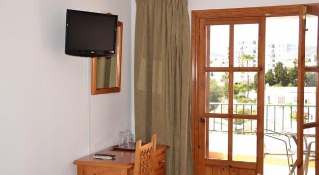 Hotel Jose Cruz - ネルハ - 寝室