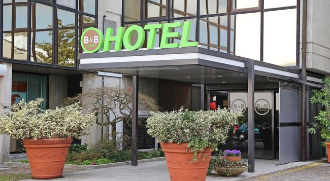 B&B ホテル ウーディネ - ウーディネ - 建物