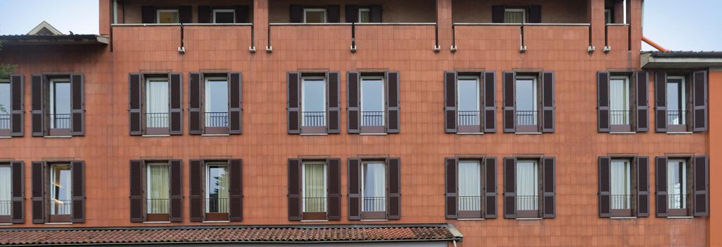 B&B ホテル ベルガモ - ベルガモ - 建物
