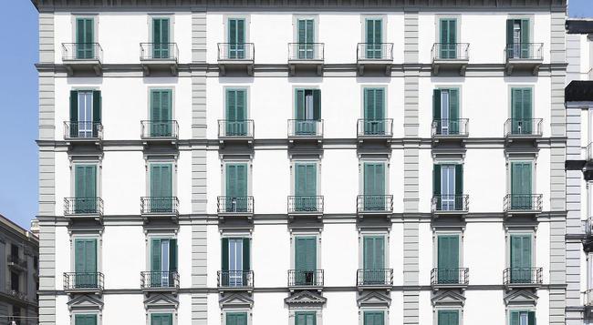 B&B ホテル ナポリ - ナポリ - 建物