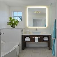 ザ マーカー ウォーターフロント リゾート キー ウェスト Bathroom