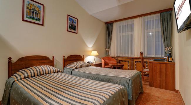 スレテンスカヤ ホテル - モスクワ - 寝室