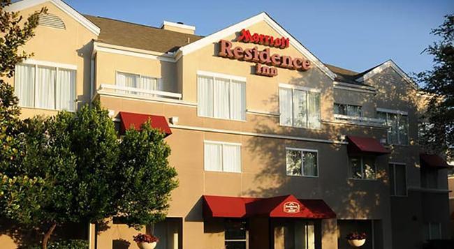 Residence Inn by Marriott Dallas Market Center - ダラス - 建物