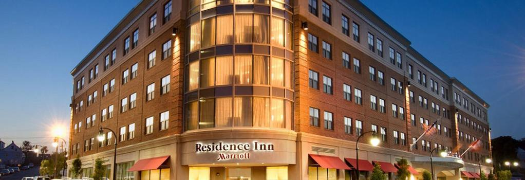 Residence Inn by Marriott Portland Downtown Waterfront - ポートランド - 建物