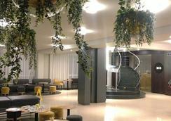 ホテル ゴルフ - プラハ - ロビー
