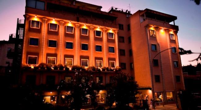 グランド ホテル ティベリオ - ローマ - 建物