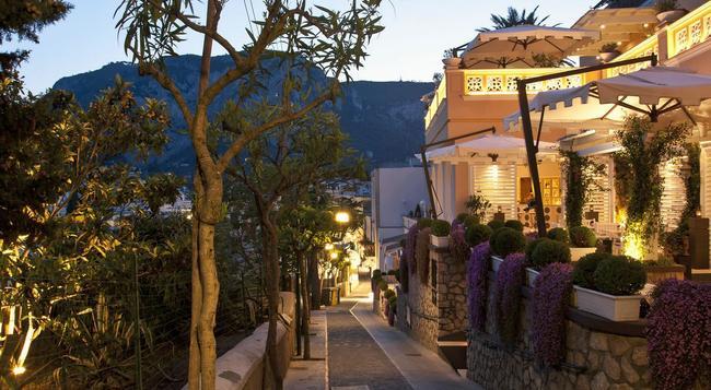 カプリ ティベリオ パレス - Capri - 建物