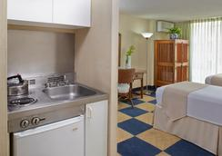 エバ ホテル ワイキキ - ホノルル - 寝室