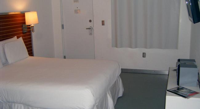 アクア ホテル & スイーツ - マイアミ・ビーチ - 寝室