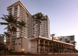 クイーン カピオラニ ホテル