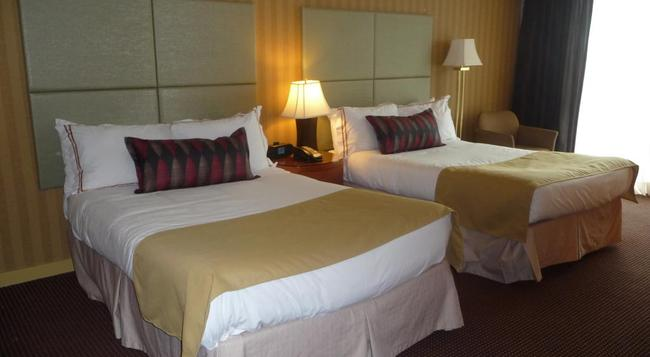 Executive Suites Hotel & Conference Centre Burnaby - バーナビー - 寝室