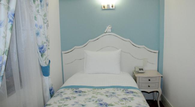 Hotel Limani - チャナッカレ - 寝室