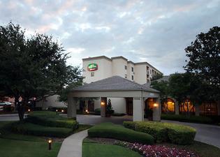 Courtyard by Marriott Dallas Medical Market Center