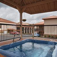 Best Western Center Pointe Inn Outdoor Hot Tub