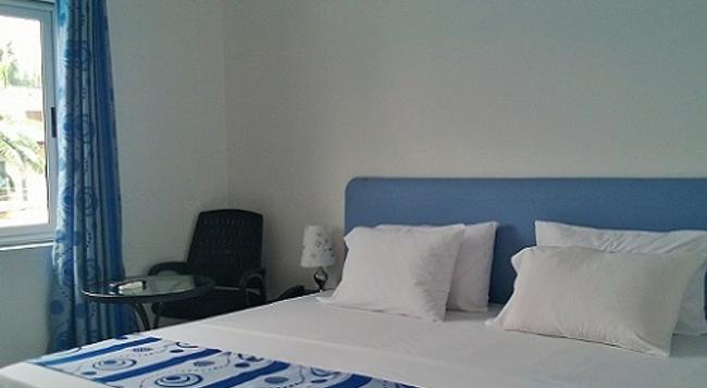 Hotel Elegance - アクラ - 寝室