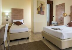 ホテル ドミデア - ローマ - 寝室