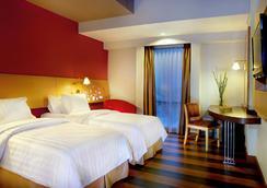 アストン パレンバン ホテル & カンファレンス センター - パレンバン - 寝室