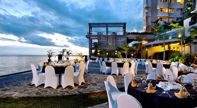Aston Balikpapan Hotel and Residence - バリックパパン - 屋外の景色