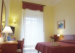 ホテル アドリア - バーリ - 寝室